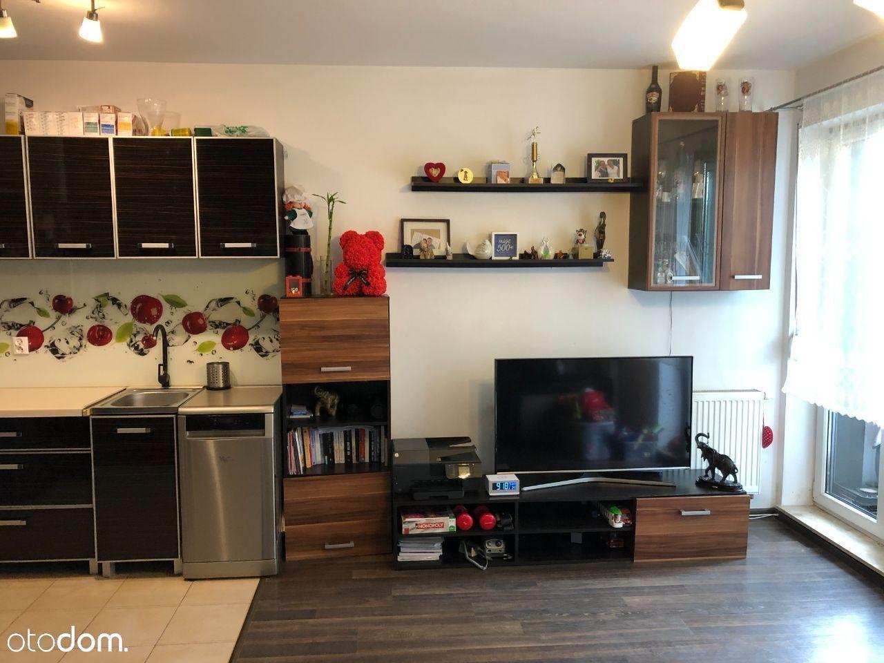 Duża kawalerka 1/2 pokoje +garaż