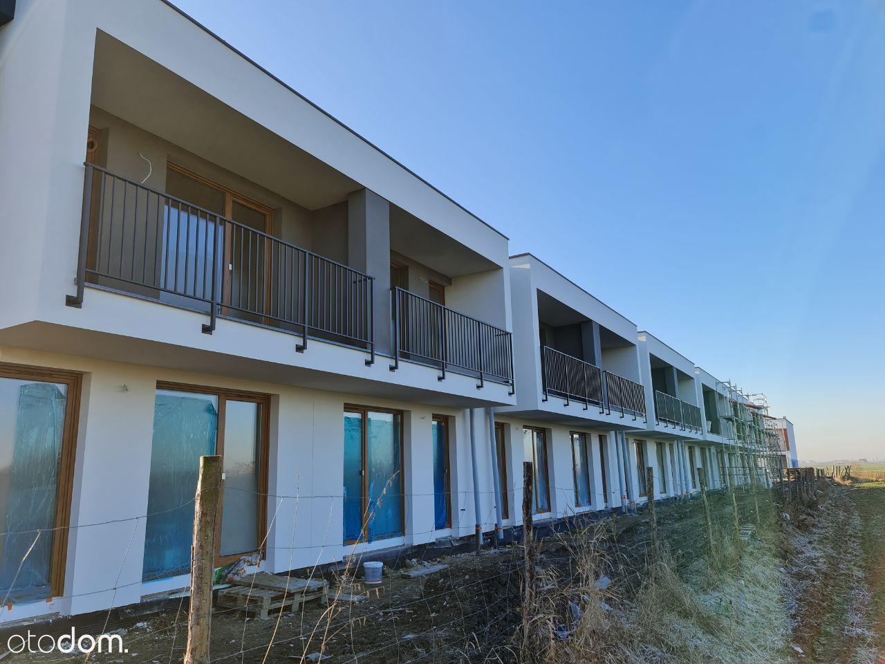 Mieszkanie 3/4 pokoje z balkonem