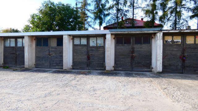 Garaż w zabudowie szeregowej