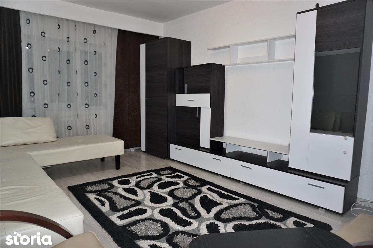Apartament decomandat 2 camere, ultracentral, etaj 3