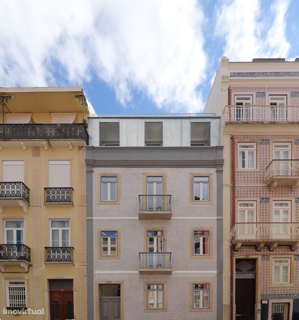 Prédio centro Lisboa remodelado para HOSTEL