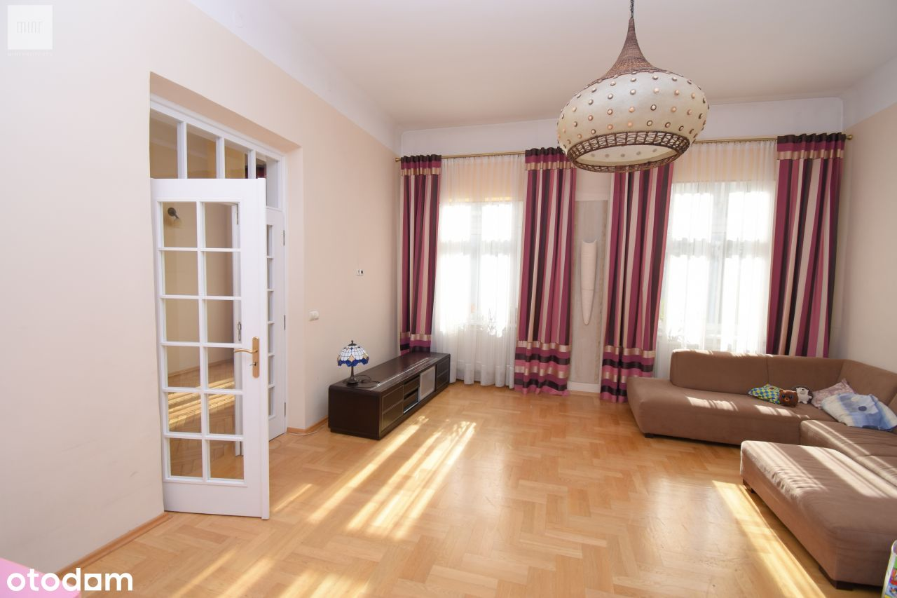 Przestronny apartament, Stare Miasto, ul. Sarego
