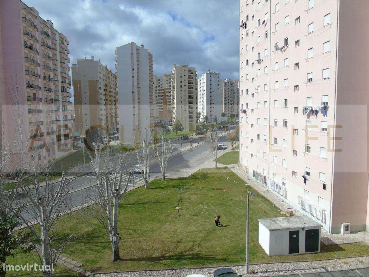 Apartamento para comprar, Carregado e Cadafais, Lisboa - Foto 1
