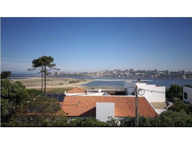 Moradia T5 com piscina - Cabedelo