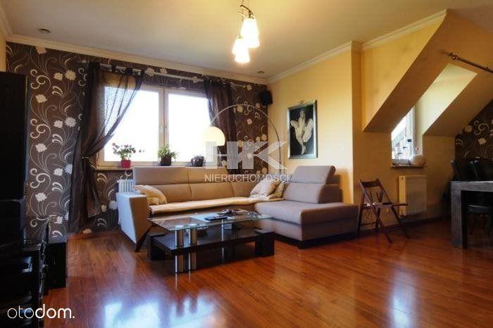 Dwupoziomowy apartament w świetnej lokalizacji !