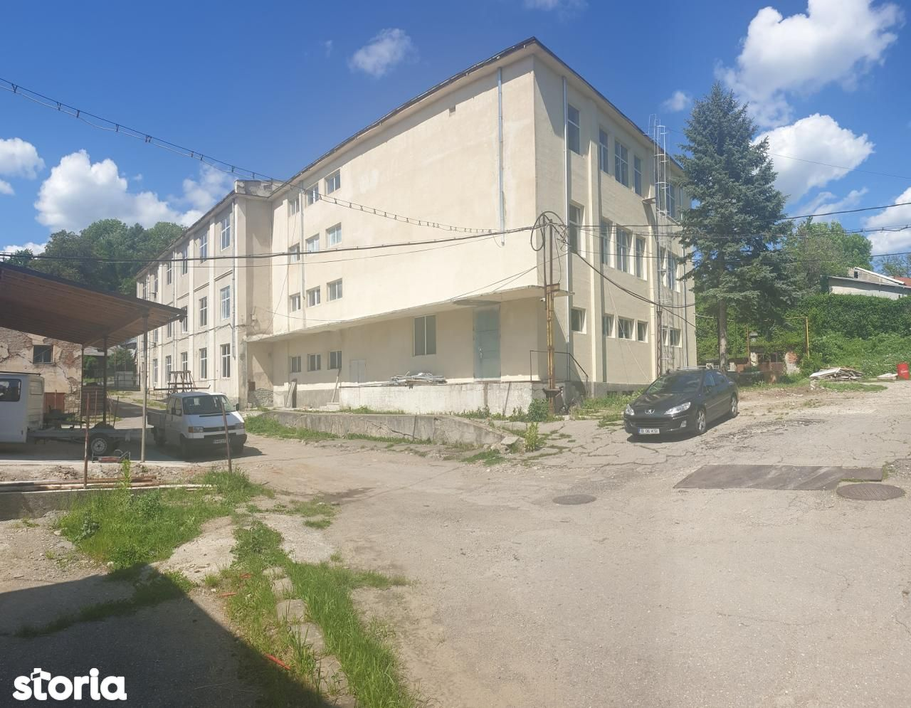 Cladire birouri/servicii P+2E,renovata,2035mp util,utilitati