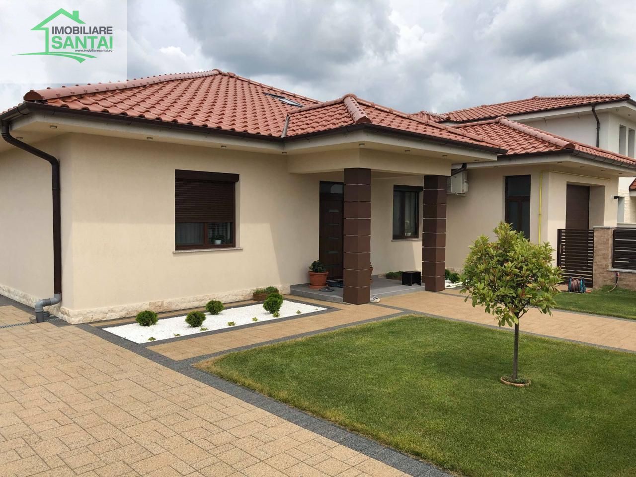 Casa noua 3 camere + living zona Drumul Odoreului