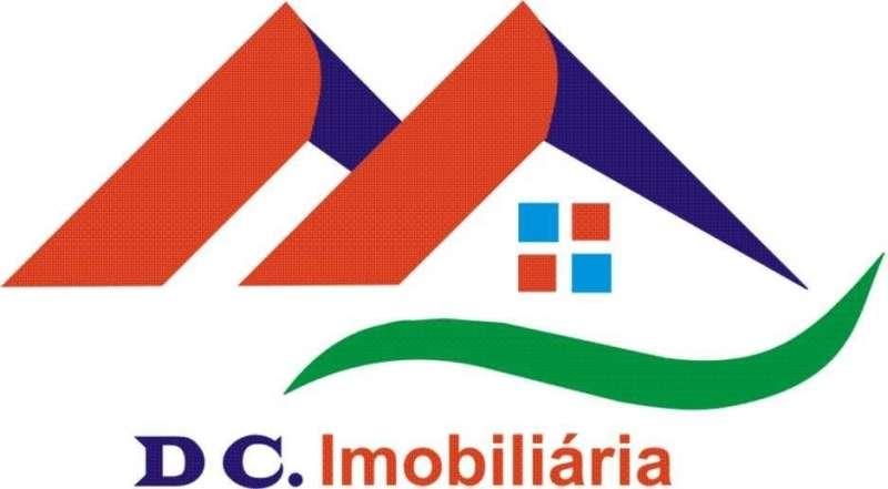 Este moradia para comprar está a ser divulgado por uma das mais dinâmicas agência imobiliária a operar em Rio Caldo, Braga