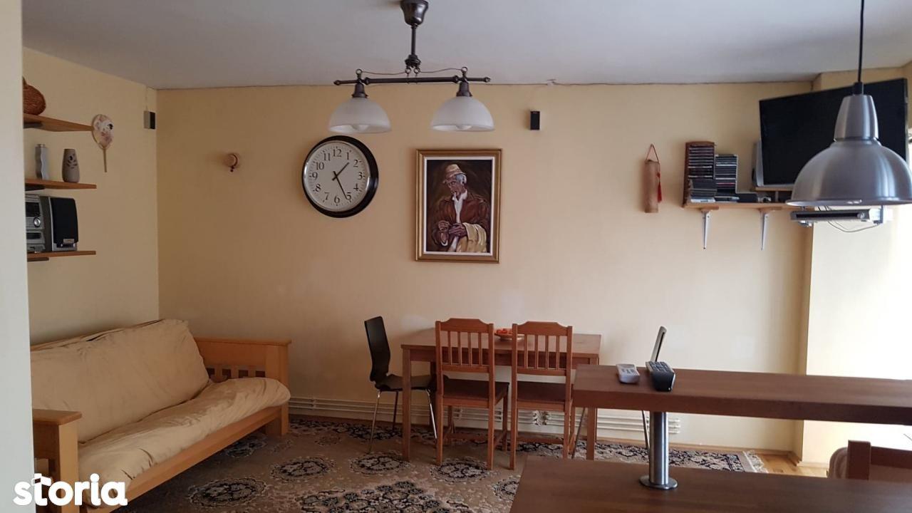 Inchiriere apartament 4 camere zona Centru Civic