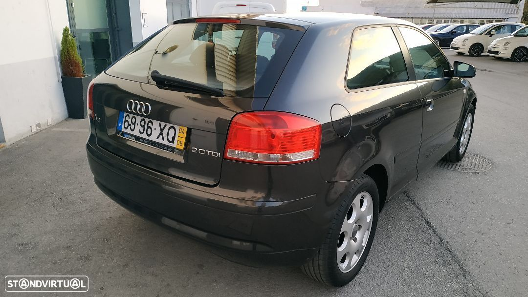 Audi A3 2.0 TDi Attraction - 32