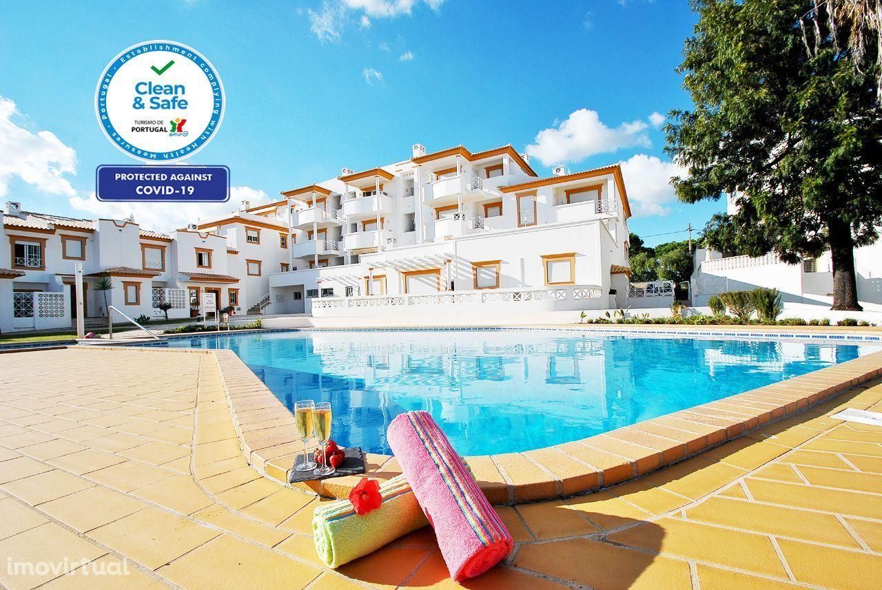 Jamaica - Apartamento T2 Albufeira, Vista Mar, Piscina, AC, WIFI
