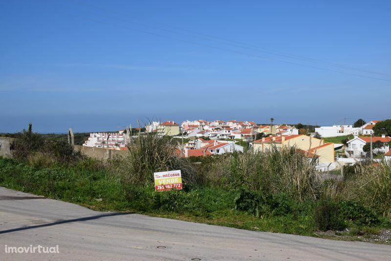 Terreno urbano com 372 m² próximo da praia