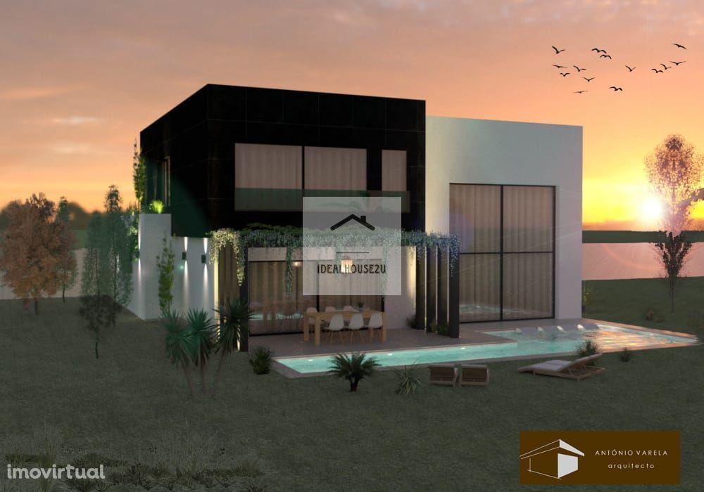 Moradia T4 com duas suites e com piscina Azeitão! Oferta de Escritura