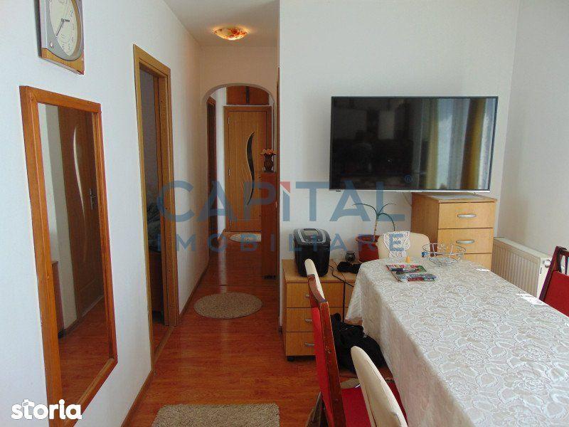 Vanzare apartament 3 camere, Dambul Rotund