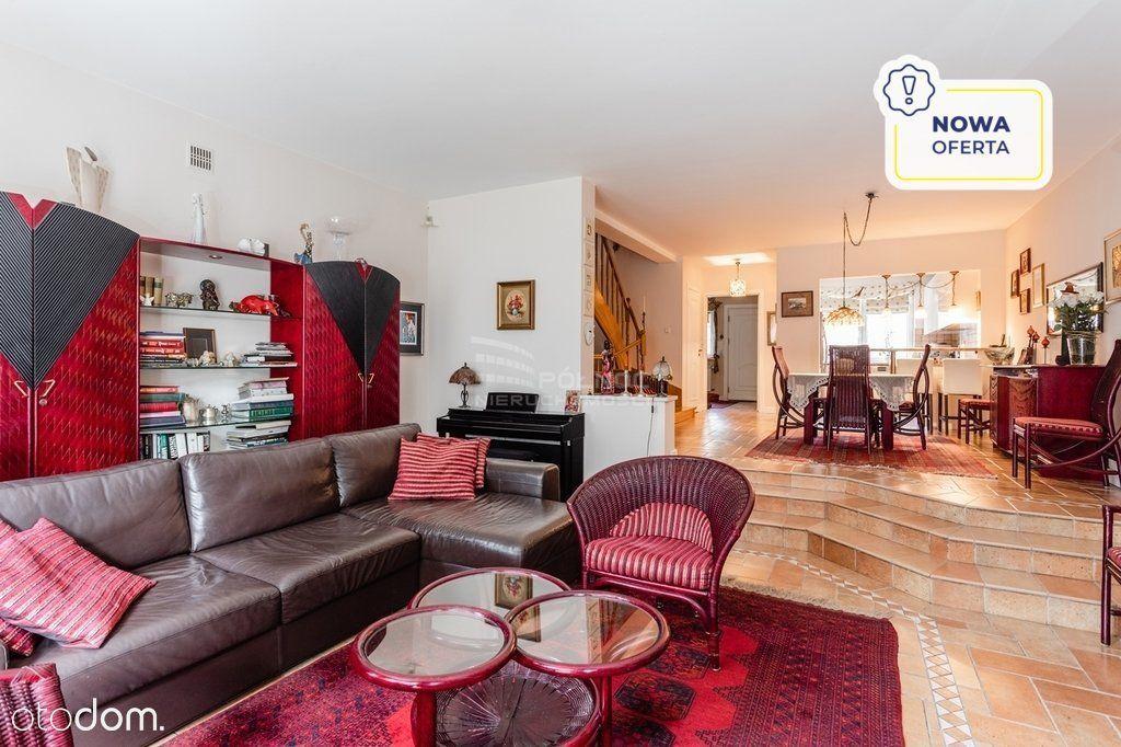 dom dwupoziomowy, szeregowiec, 5 pok, garaż,metro