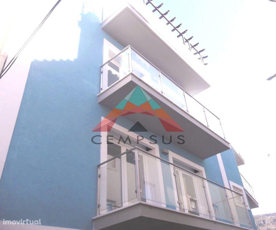 Apartamento T1 Novo com 2 varandas a 20 metros da praia