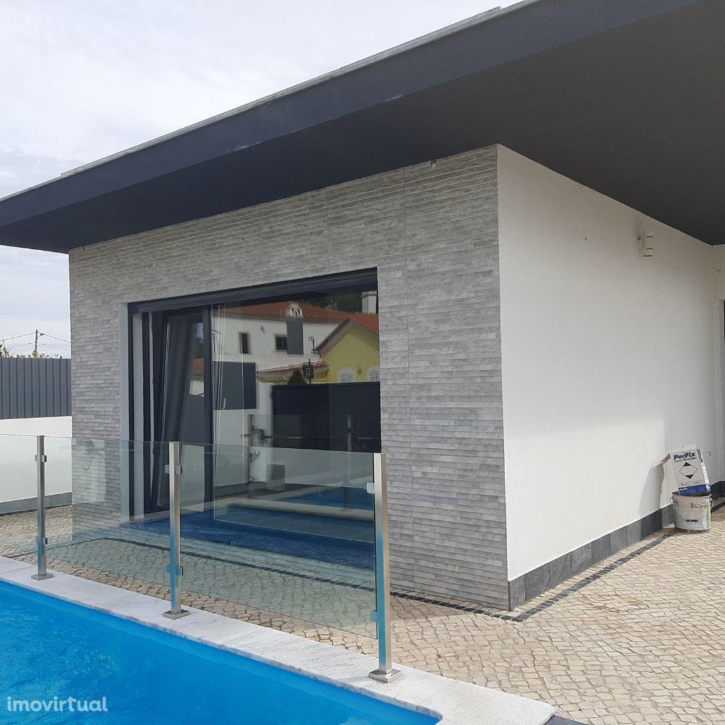 Moradia térrea com piscina em Azeitão