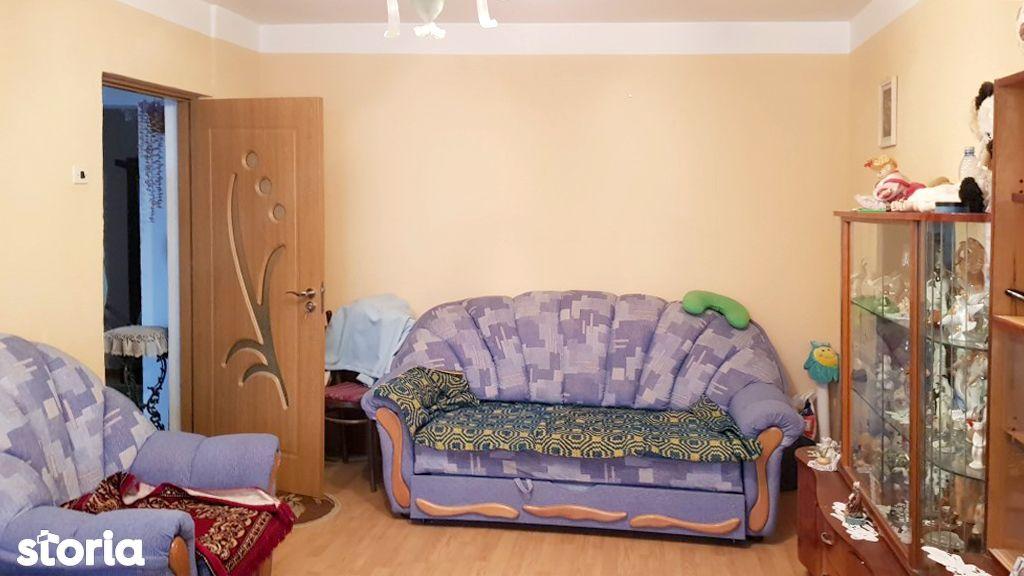 Apartament cu 3 camere de vanzare in zona Vest - OMV