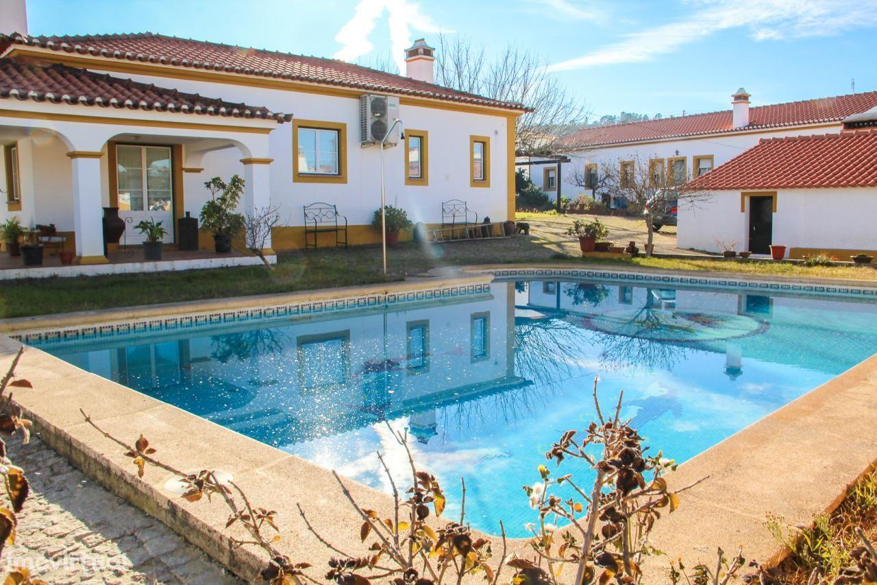 Vendo Moradia com piscina Zona Esperança Arronches
