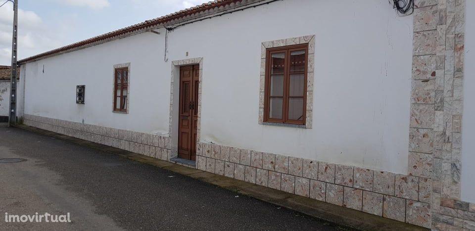 """Moradia V4 com 346 m2 de SC , situada em Pedrogão """" Turismo Rural"""""""