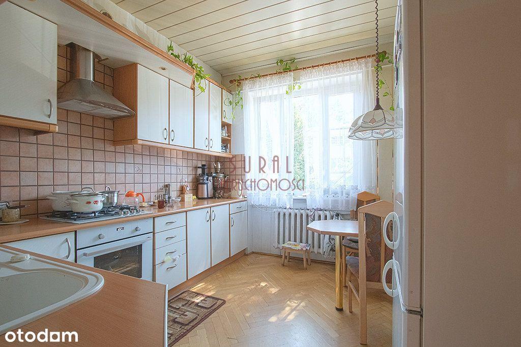 Dom z ogrodem na Starych Bielanach / garaż