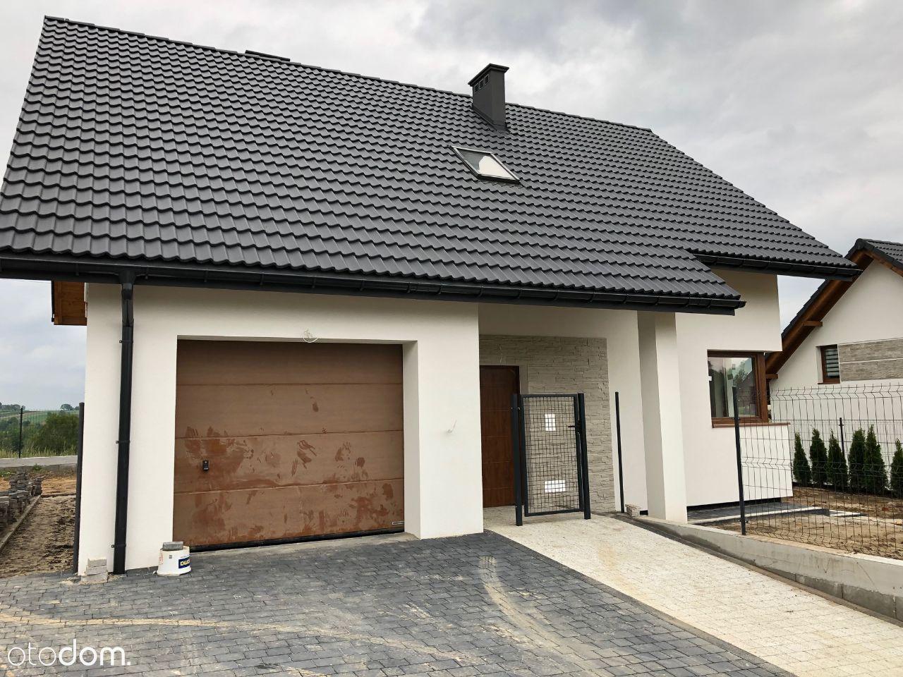 Michałowice Masłomiąca-dom wolnostojący na wzgórzu