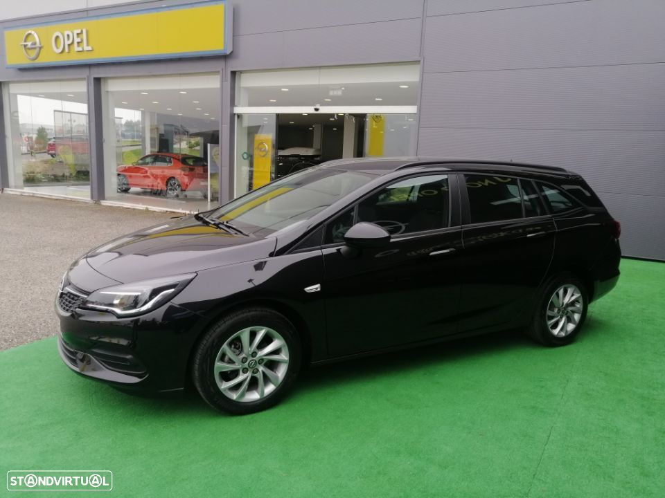 Opel Astra Sports Tourer - 3