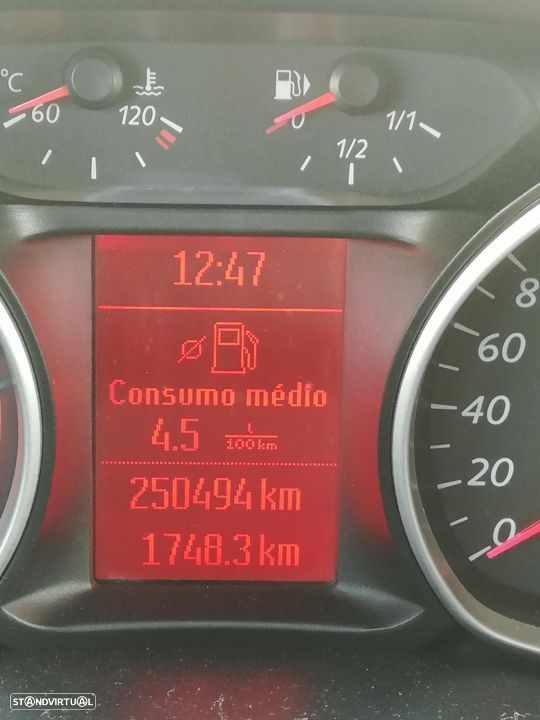 Ford S-Max - 26