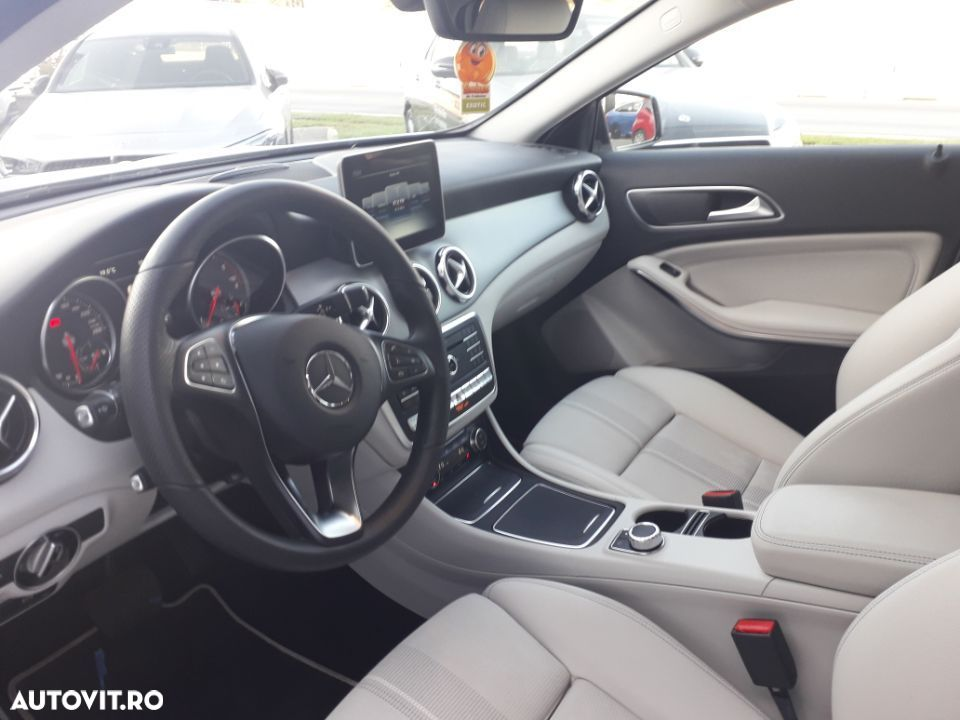 Mercedes-Benz GLA 220 - 10