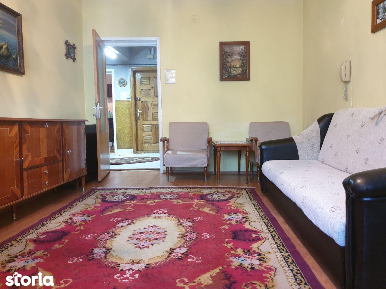 Apartament 3 camere str Molidului la vila
