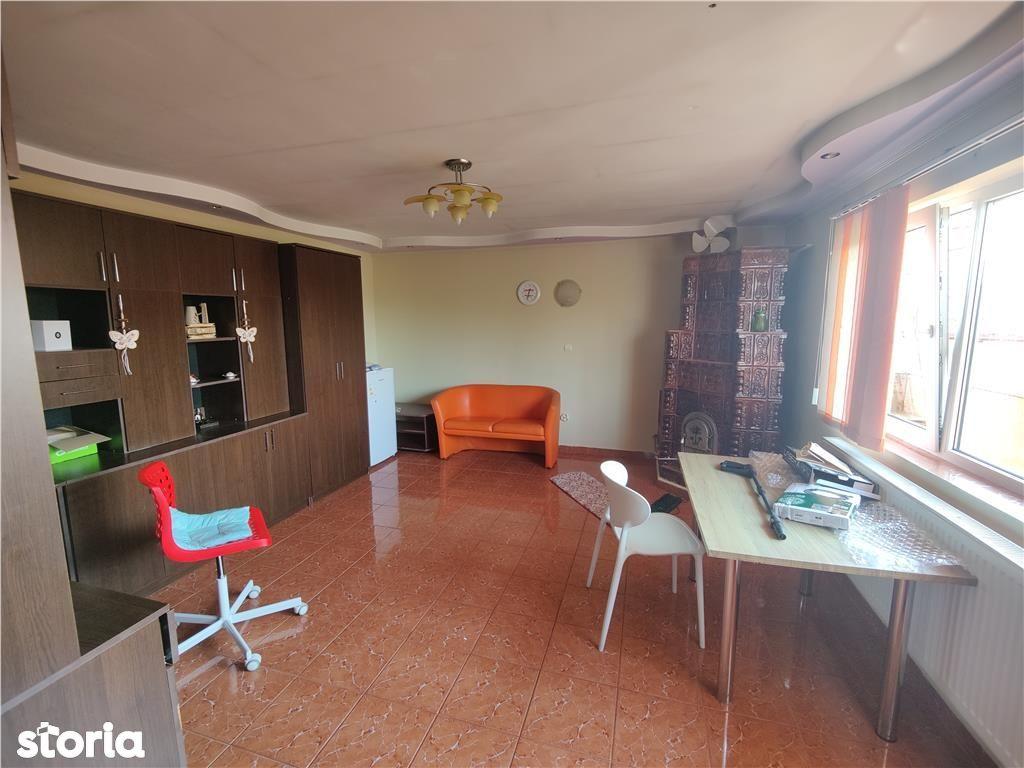 Maracineni: apartament 3 camere, curte privata