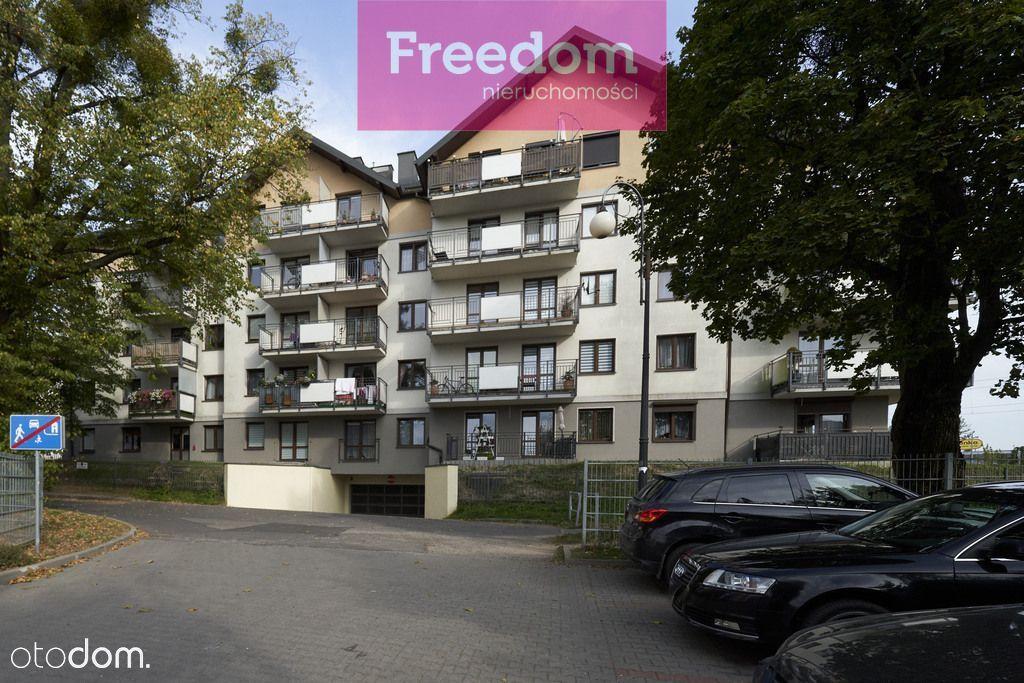 3 pokojowe mieszkanie na Jarotach w bloku z windą