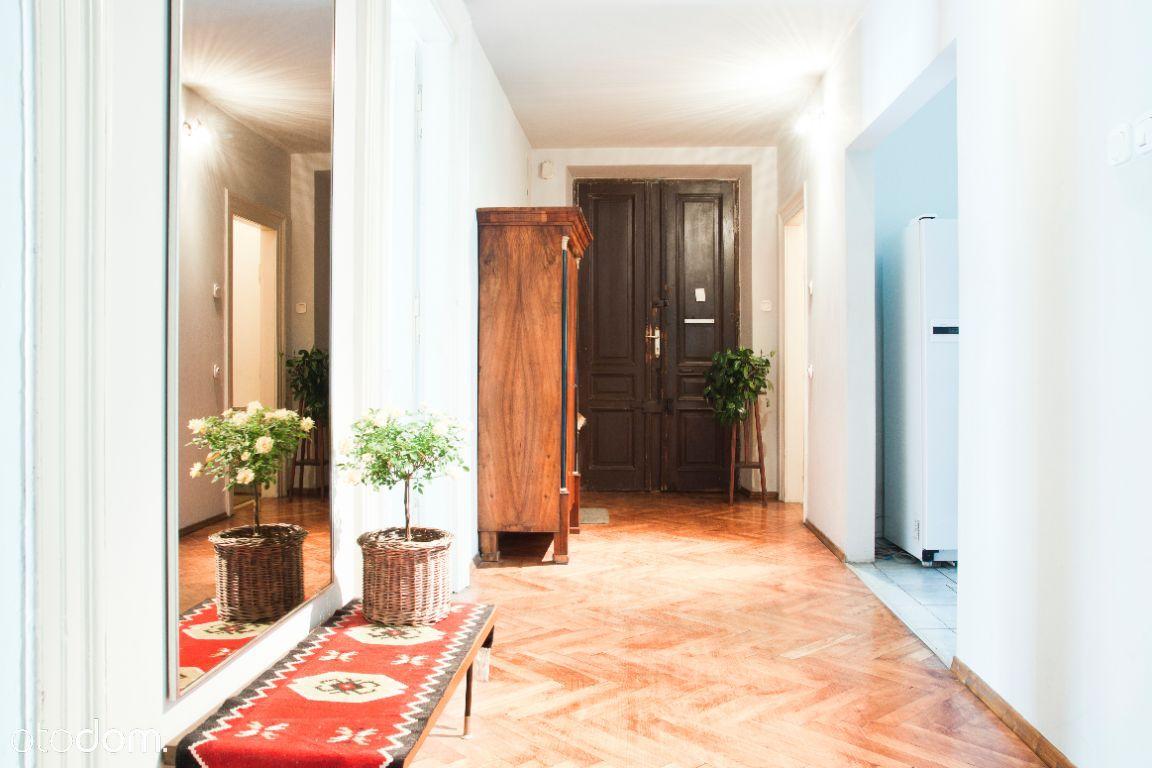 Pokój w przestronnym 3-pokojowm mieszkaniu CENTRUM