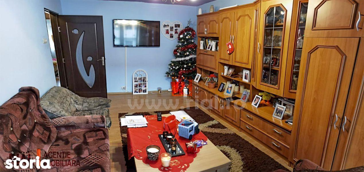 Apartament cu 3 camere | VITROMETAN