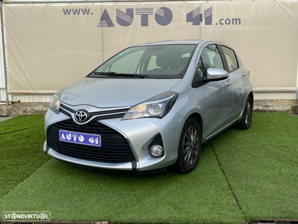 Toyota Yaris 1.4 D-4D Comfort+P.Style - 1