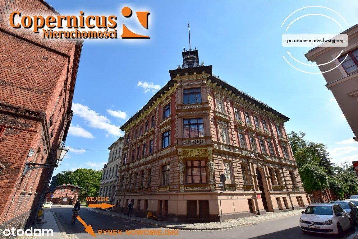 Lokal Na Toruńskiej Starówce - Wejście Od Ulicy