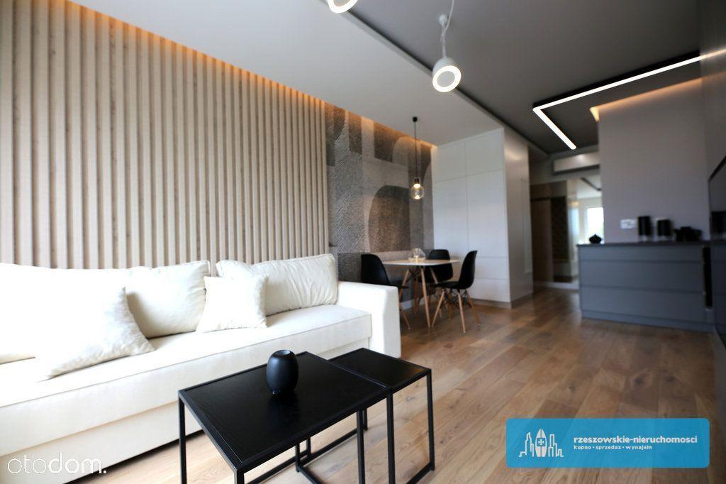 Komfortowe Mieszkanie W Apartamentowcu Z Tarasem