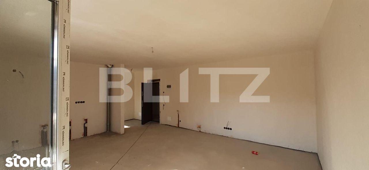 2 camere, balcon, semifinisat! Zona strazii Eroilor!