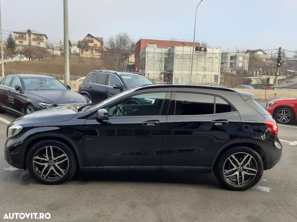 Mercedes-Benz GLA 220 - 4