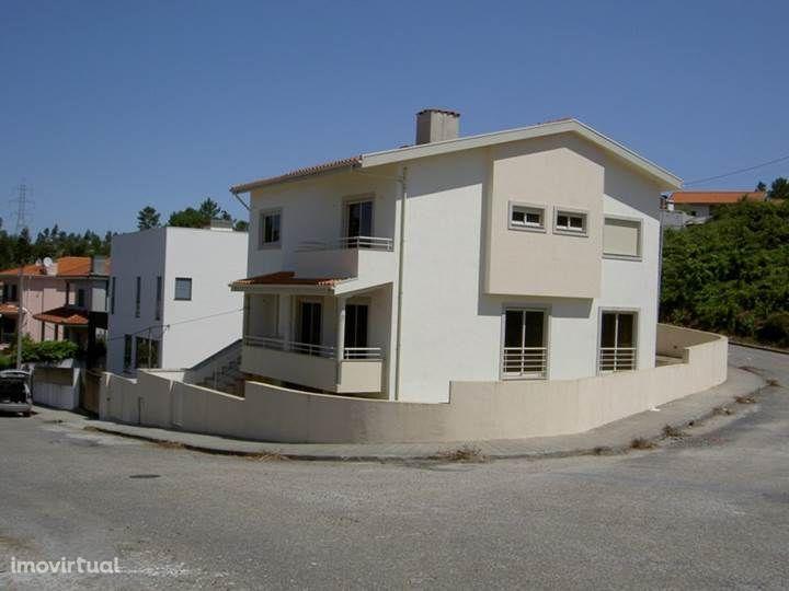 Moradia T5 de 4 Frentes - NOVA - Gandra - Paredes
