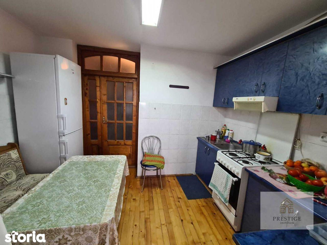 Apartament 3 camere de vanzare in Nufarul