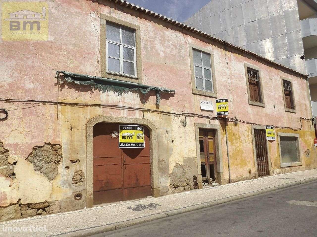 Prédio para comprar, Castelo Branco - Foto 1