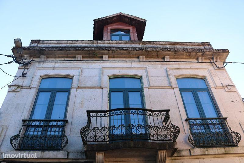 Excelente prédio T7 com 2.000 m de terreno a 5 min. de centro de Braga