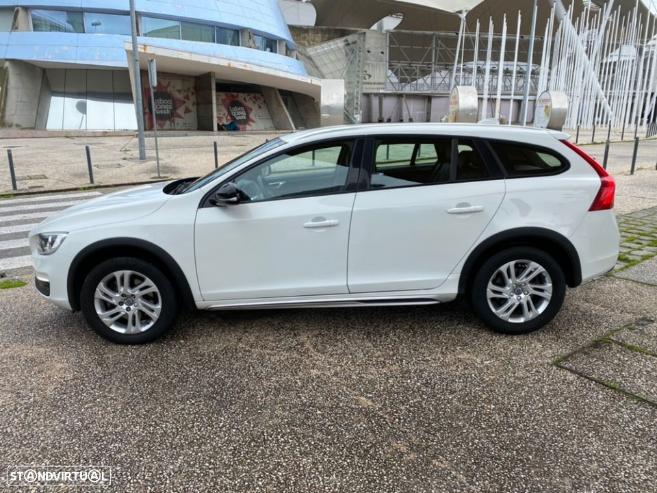 Volvo V60 Cross Country 2.0 D3 Geatronic - 6