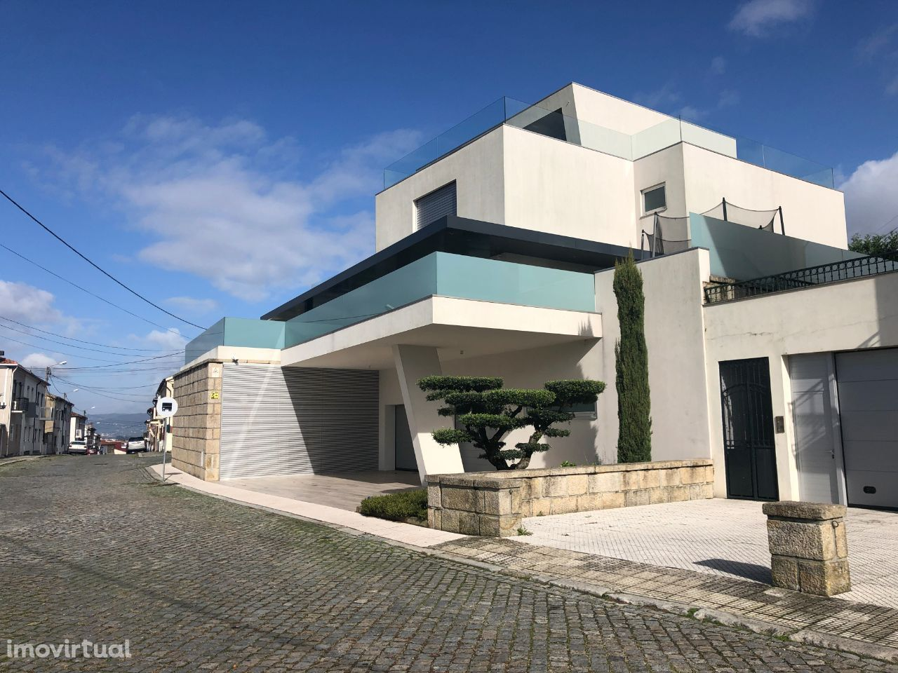 Moradia T5 de luxo com piscina interior - Real