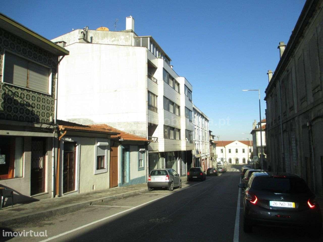 Prédio para comprar, Mafamude e Vilar do Paraíso, Porto - Foto 3