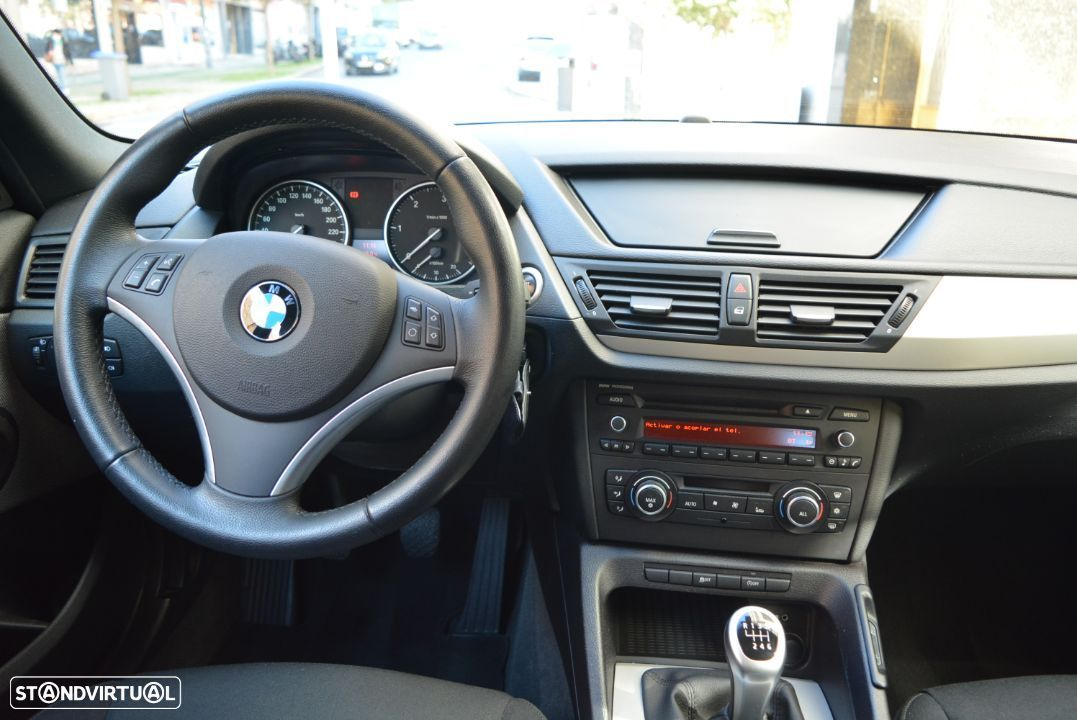 BMW X1 18 d sDrive - 29
