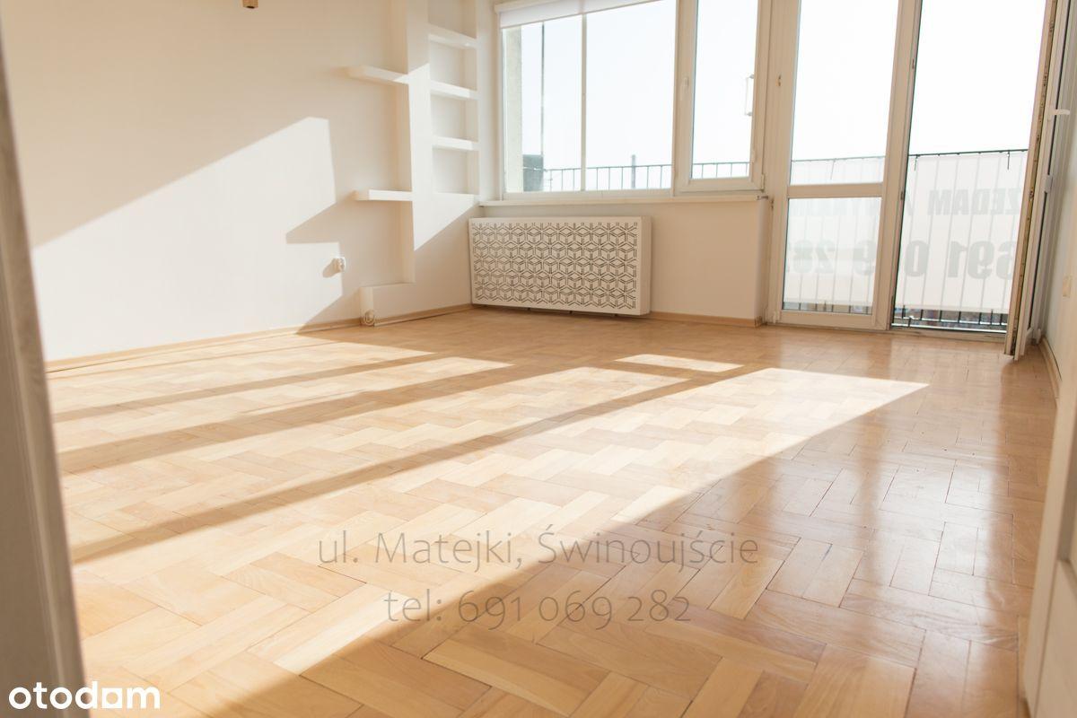Świeżo po remoncie słoneczne 3 pok.,centrum,drewno