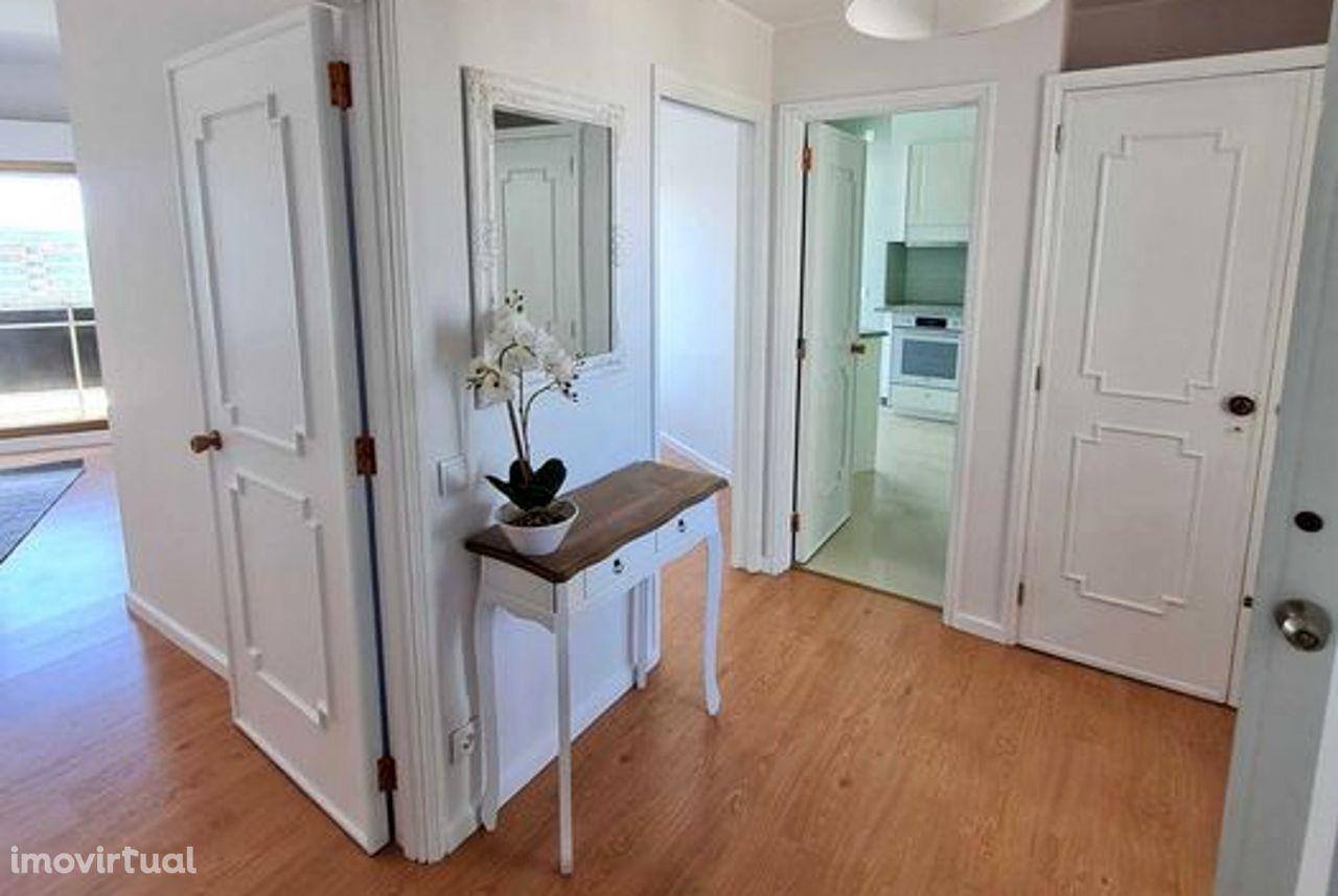 Apartamento T1 totalmente equipado e mobilado nas Torres de Ofir