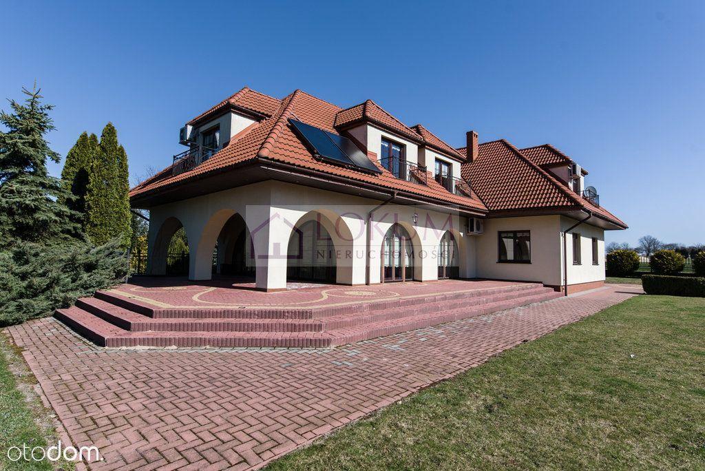 Dom, 400 m², Motycz